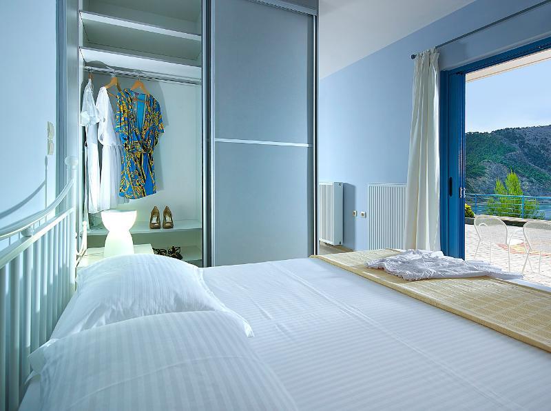 Xenia Residence for 2 persons, aluguéis de temporada em Pilio