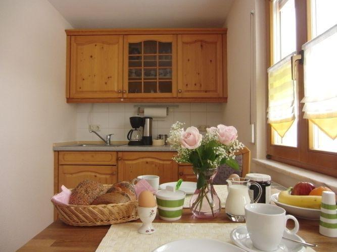 Küchenzeile mit Toaster, 2Platten Cerankochfeld, Wasserkocher, Kaffeemaschine