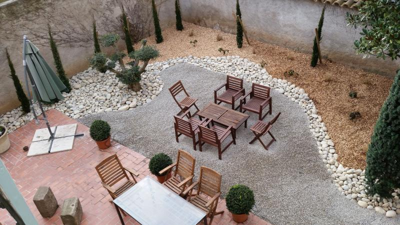 Dine outdoors in the private walled south-facing garden, or lounge with a book.