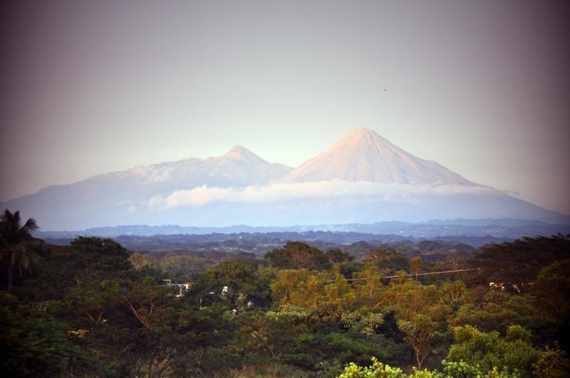 view of the volcanos from 'Los Murmullos'