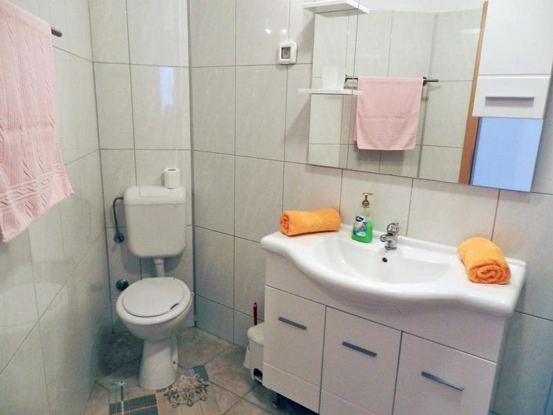 A1-paro (4 + 1): baño con inodoro