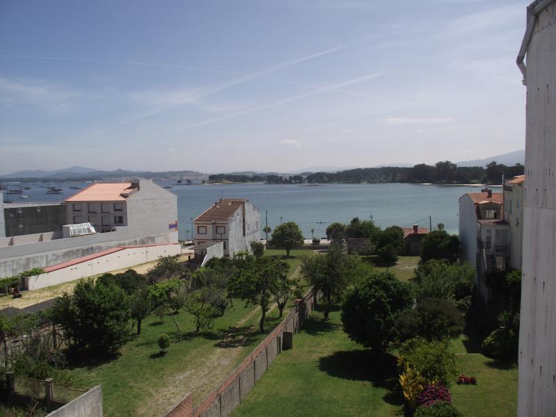 ALQUILER 2 DER. PISO - O GROVE, holiday rental in O Grove