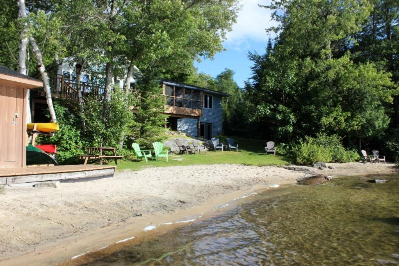 Halls Lake Cottage, holiday rental in Minden