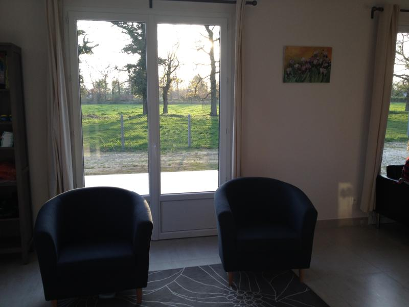 Double reception room with extra seating