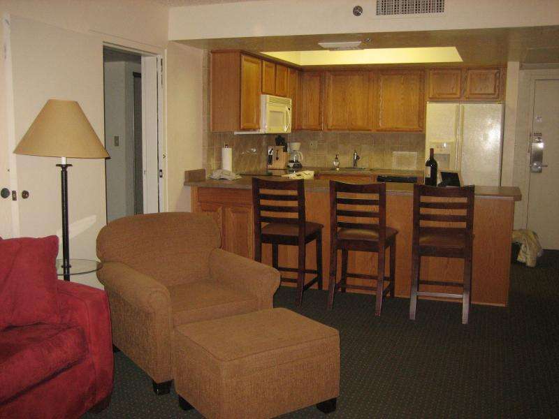 Comfortable Home away from home with all amenities - Just bring the food!