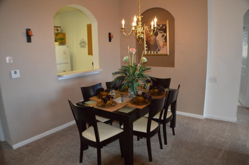 DINING AREA SEATING FOR SIX
