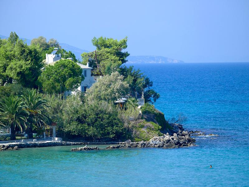Private Beach Villa, holiday rental in Ammoudi