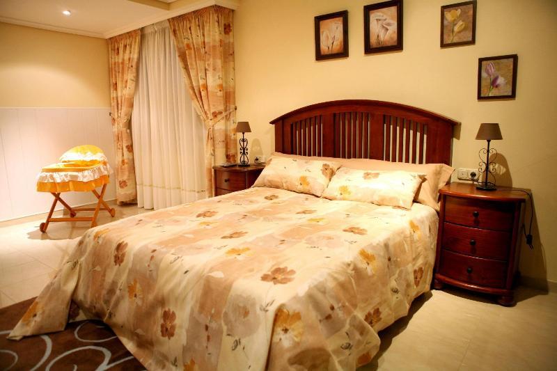 Casa Mary - Planta Baja, vacation rental in A Lama