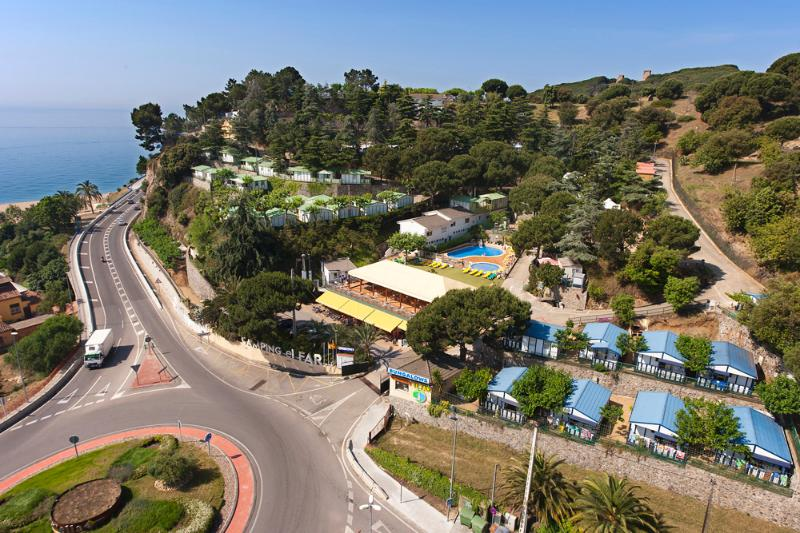 Beautiful apartment 20m from the sea,  5 pe, aluguéis de temporada em Calella