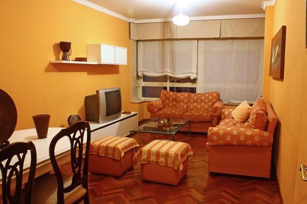 ideal familias, a 5km de la catedral de Santiago, location de vacances à O Milladoiro