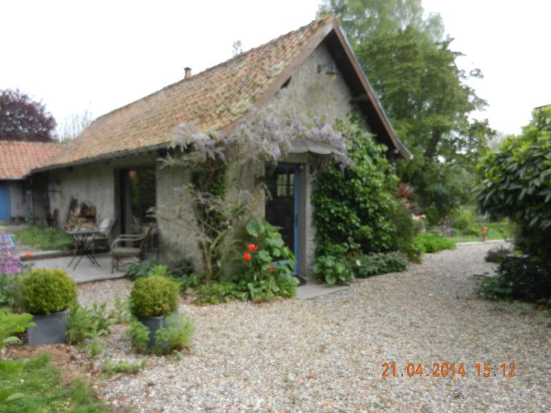 LE JARDIN SAUVAGE, holiday rental in Aubin-Saint-Vaast