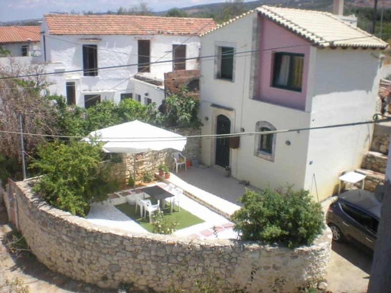 Fantastic Sea View House In Crete, vacation rental in Kato Valsamonero