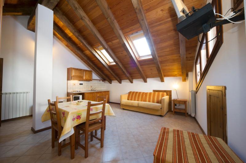 Monolocale 2 posti letto al residence Chalet della Guida, holiday rental in Bardonecchia