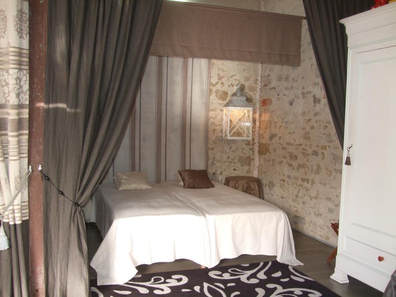 La Maison Salée, La chambre au trophée, aluguéis de temporada em Saint-Denis-du-Payre
