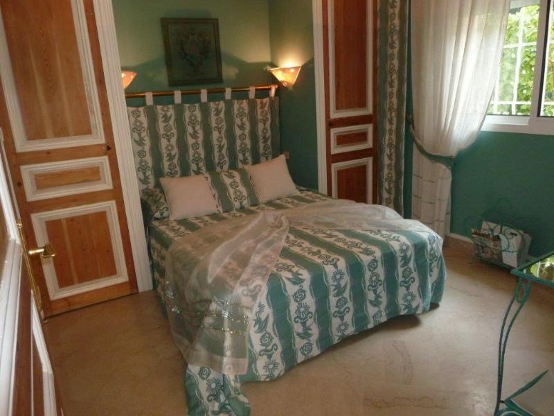 Turquoise Bedroom, (bed 140), South East facing, air-conditioning, TV, adjoining, schower room