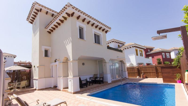 3 Bedroom Villa on Mar Menor Golf Resort, location de vacances à Torre-Pacheco