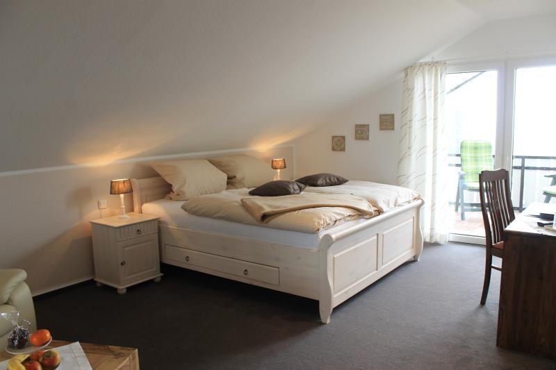 Ferienhaus Sonnenhügel am Möhnesee / Doppelzimmer, holiday rental in Ruthen