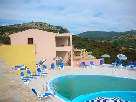 Appartamento con piscina ap14, location de vacances à Aggius