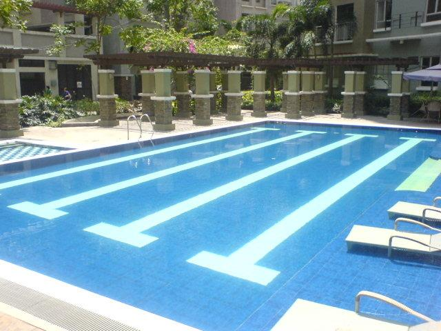 Fully Furnished STUDIO-CONDO mit Pool, holiday rental in Manila