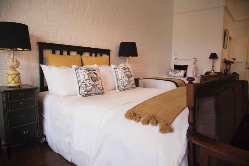 Chiltern Cottage et Indigo Suite au lit de jour