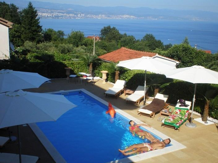 Villa Chiara Apartments Pool and Sea View, vacation rental in Icici