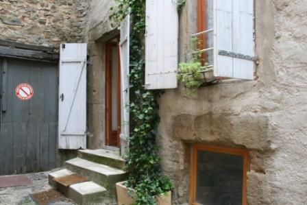 La Dolce Vita self-catering gite, rural village of Azille, location de vacances à Siran