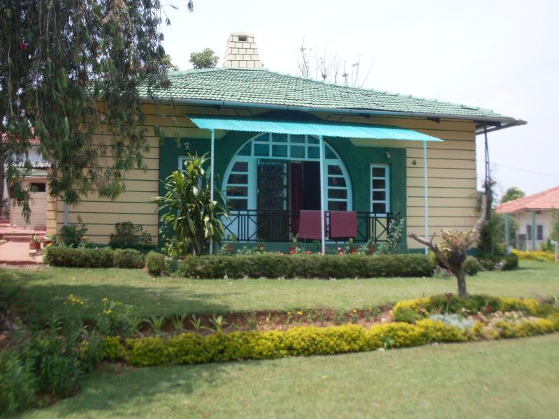 Sree Harshav Cottages Home Stay In Coonoor Has Mountain