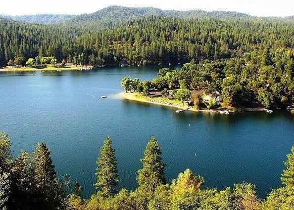 Pine Mountain Lake
