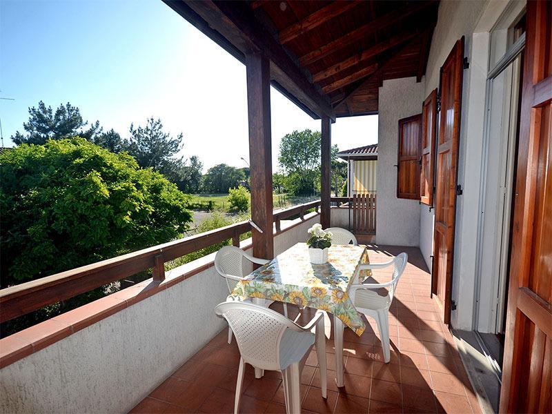 Confortevole villetta bilocale con ampio terrazzo, aluguéis de temporada em Lido delle Nazioni
