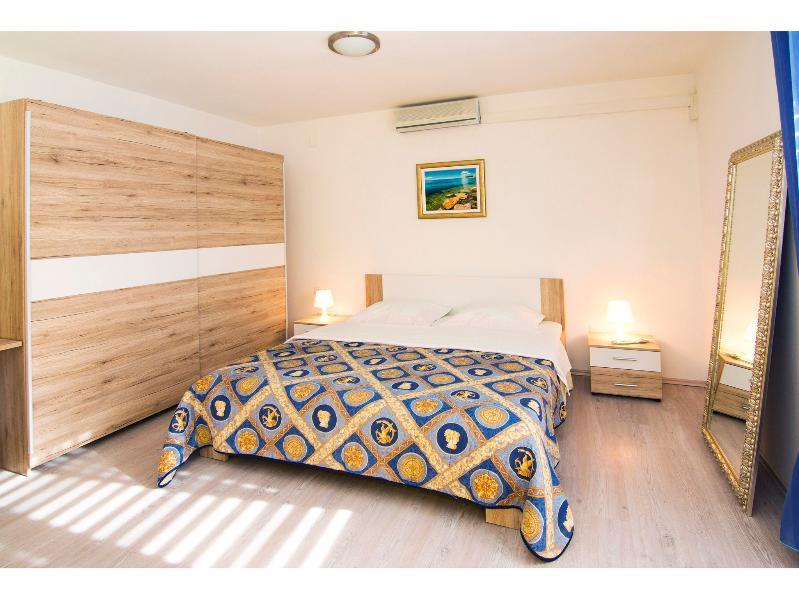 Blue_Room_Aqua_Med_Apartment_Split_Croatia
