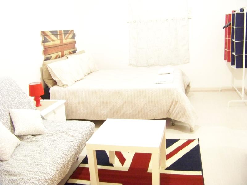 Triple room with shared bathroom, you can have breakfast in your room
