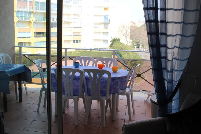 Superb 2 Bed Apart with Terraces in Cap d'Agde, casa vacanza a Cap-d'Agde