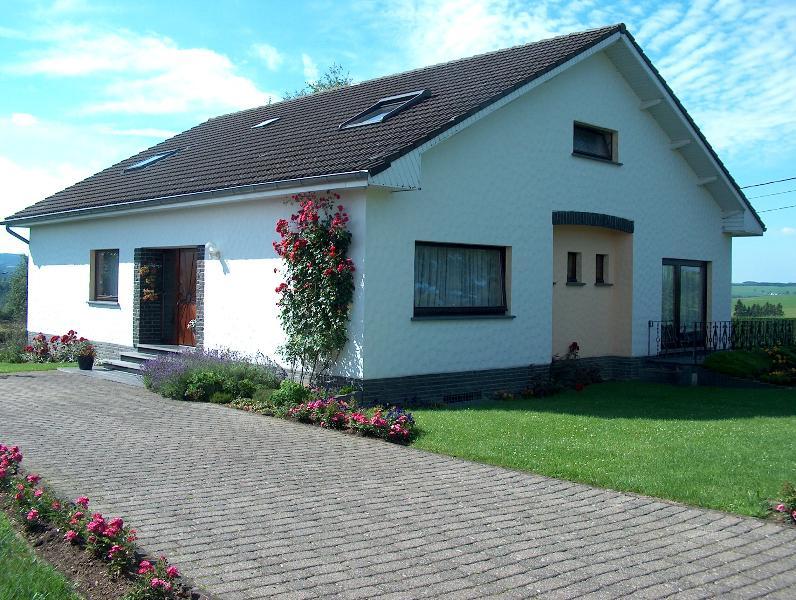 Ferienwohnung'Fernblick', holiday rental in Bleialf