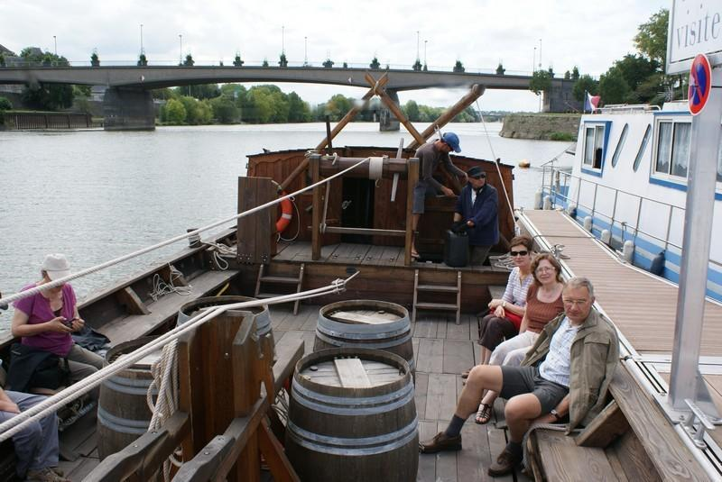Possibility walk in a traditional boat, contact us