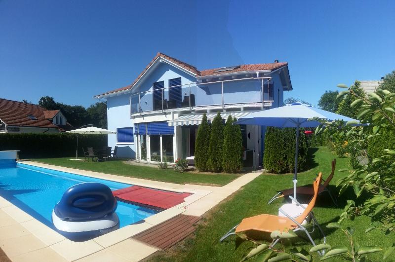 Leon's Holiday Homes: Villa 1, vacation rental in Endingen