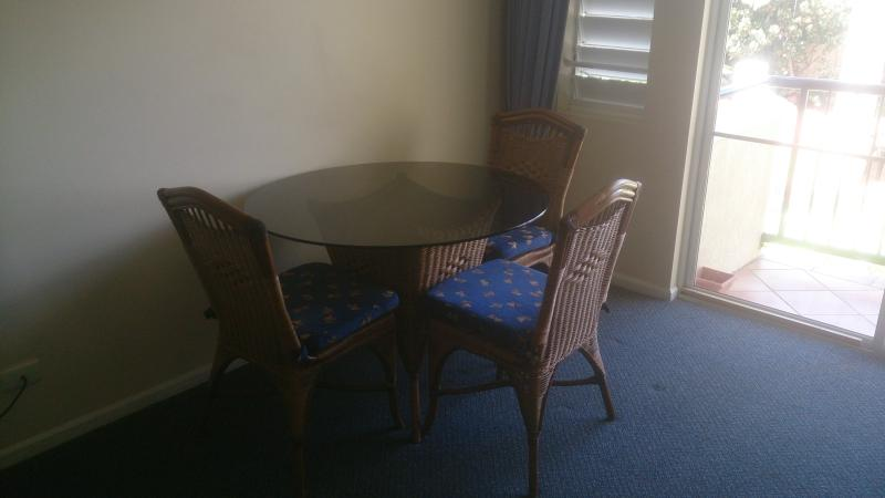Dining suite, suitable for 4