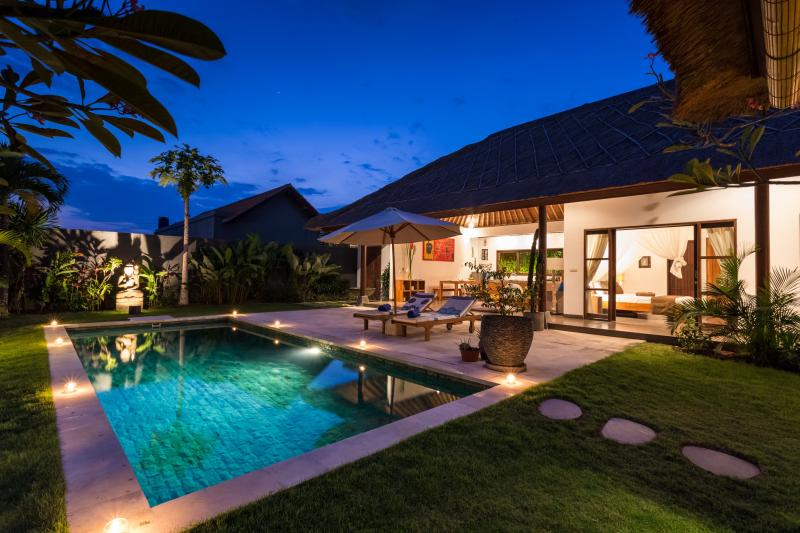Modern Balinese villa 3 bedrooms in Canggu - Kerobokan, casa vacanza a Kerobokan