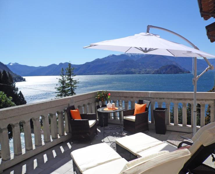 Tulip Apartment With Lake View, vacation rental in Varenna