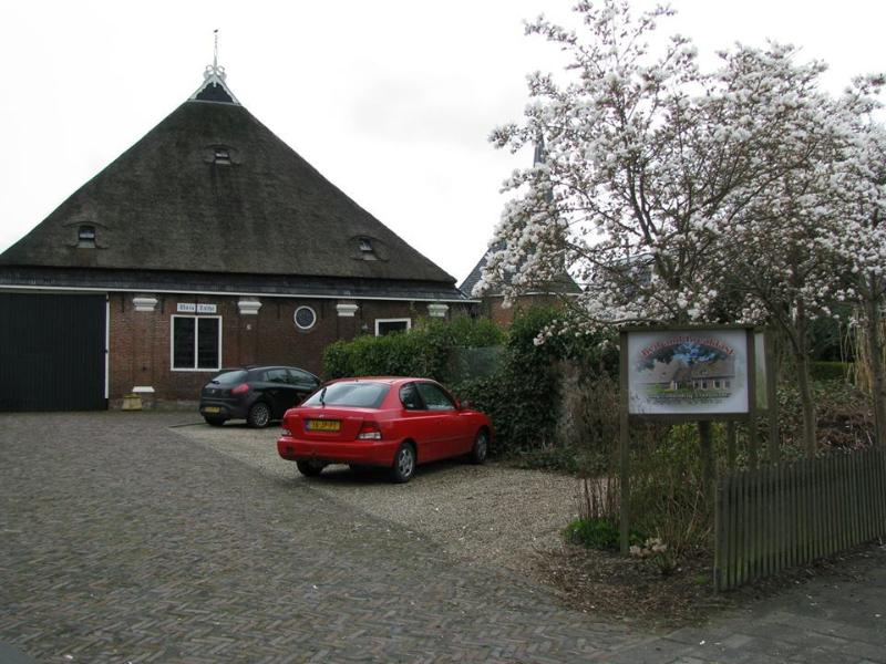 Holiday home Unia Zathe near Dokkum, private  parking