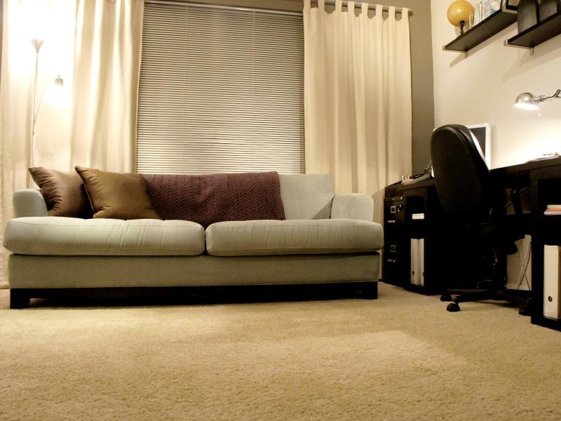 Chambre double porte w / canapé-lit gigogne et bureau; Ouvrez le Loft ou Fermer pour des clients Confidentialité
