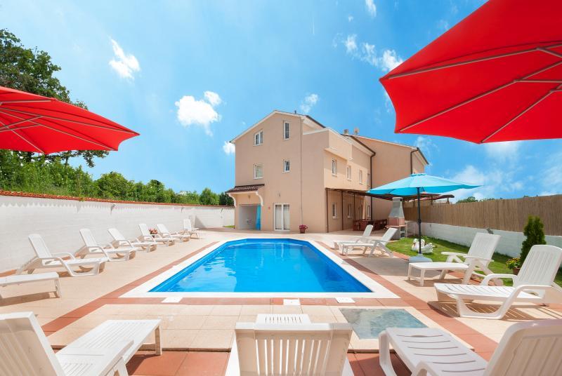 Villa August M, holiday rental in Zminj
