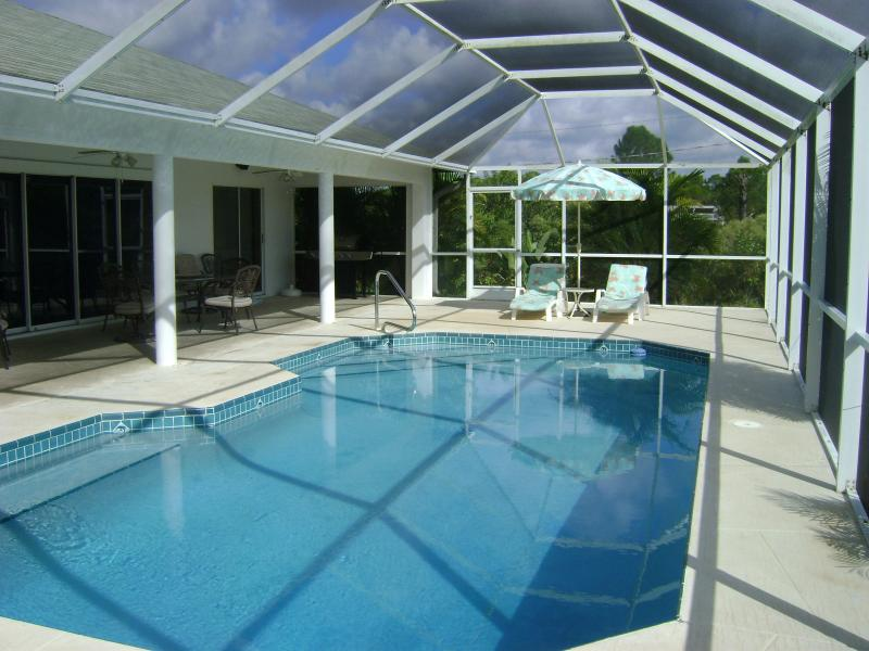 Private Pool Home Fort Myers area, alquiler vacacional en Lehigh Acres