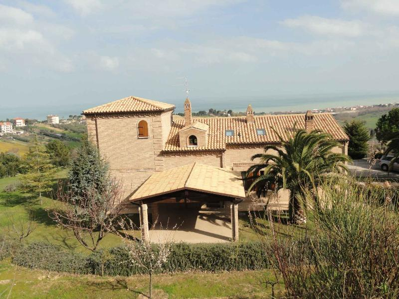 Villa Letizia, holiday rental in Civitanova Marche