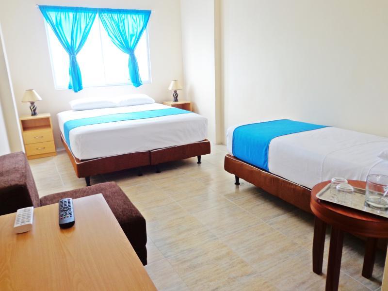 Habitación triple Hotel Crucero