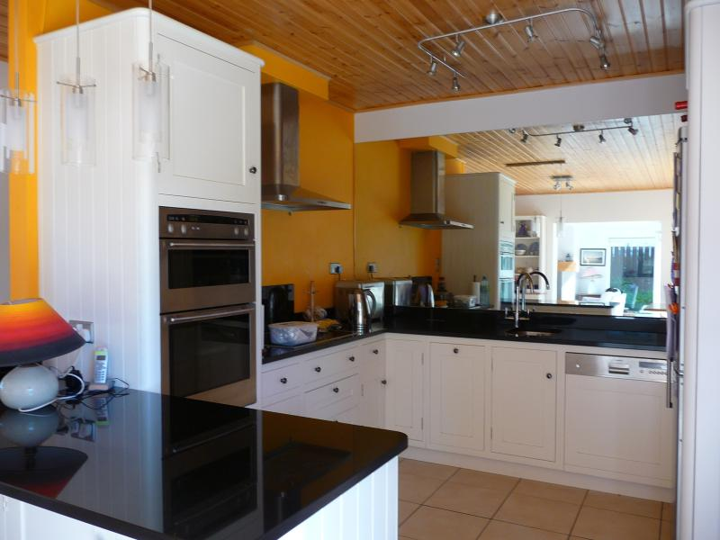 The fully equipped kitchen makes food preparation a joy