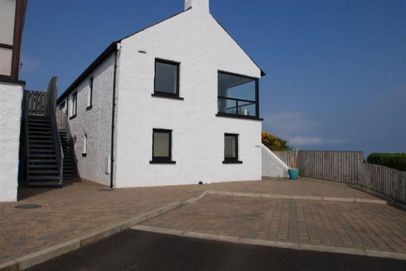 Atlantic Lookout - Causeway Coast Rentals, holiday rental in County Antrim