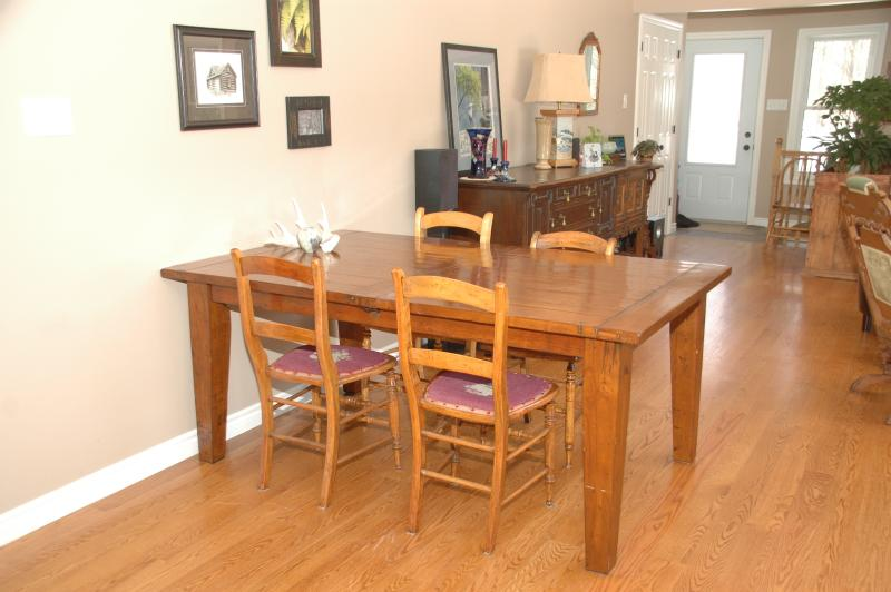 Dining table extends for more seating