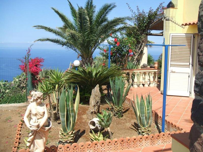 L'ANFORA ab 426, location de vacances à Quattropani