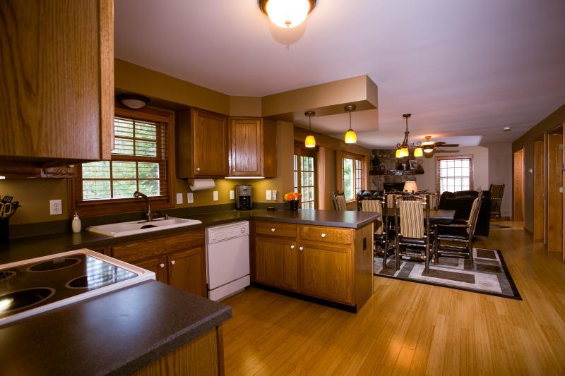 Vista cocina comedor y sala de estar
