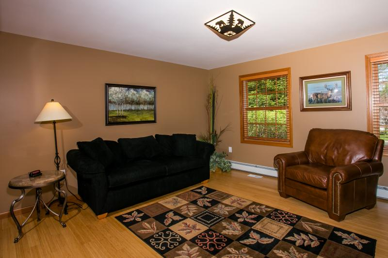 1er piso sala de estar / dormitorio (ver 2)